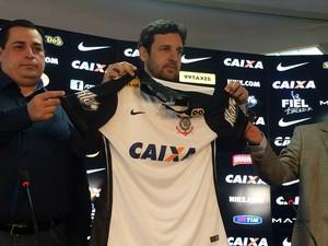 Corinthians apresenta novo patrocinador para sua camisa (Foto: Diego Ribeiro)