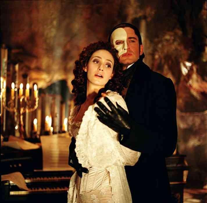 Emmy Rossum e Gerard Butler em 'O Fantasma da Ópera' (Foto: Divulgação)
