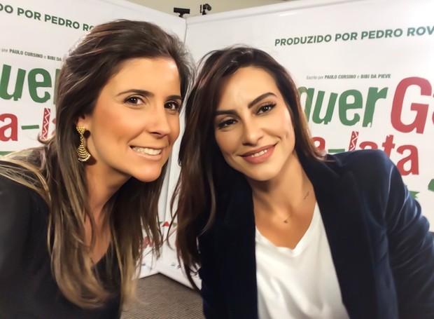 A repórter Cristiane Amaral posa para foto com Cleo Pires (Foto: Arquivo Pessoal)