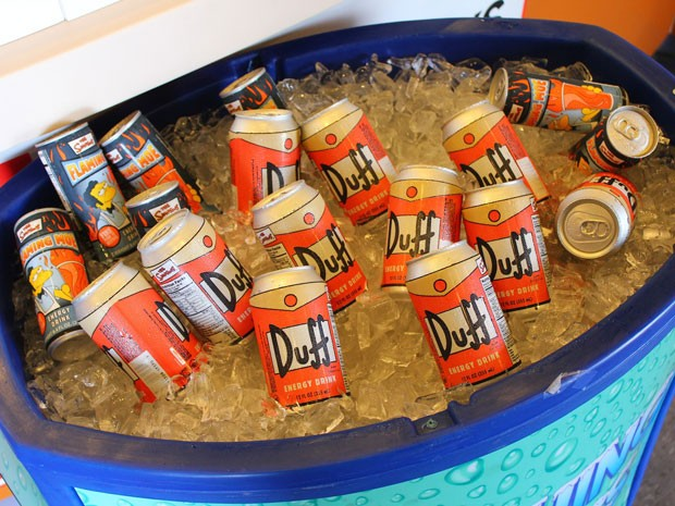 Cerveja Duff na nova área temática dos Simpsons no parque Universal Studios Florida (Foto: Ricky Brigante - Inside the Magic - Creative Commons)