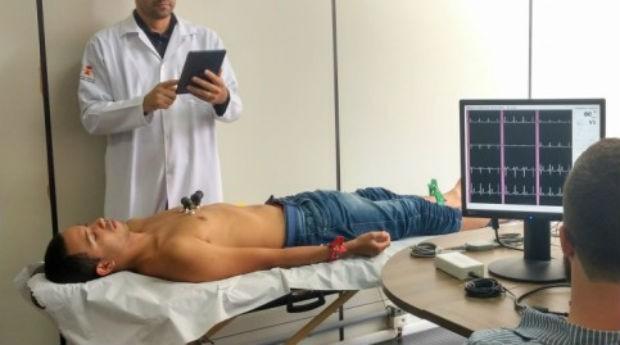Eletrocardiógrafo, exame, fio, hospital (Foto: FAPESP/Divulgação)