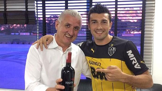 Meia Datolo e diretor de futebol do Atlético-MG (Foto: Reprodução / Instagram)