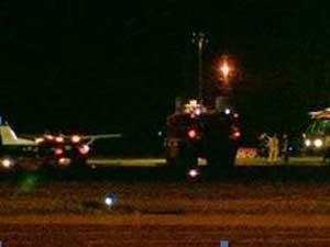 Pouso foi ovacionado pelos ocupantes da torre de controle do aeroporto de Humberside (Foto: BBC)
