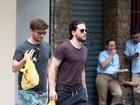 Kit Harington, de 'Game of Thrones', faz compras em supermercado no Rio