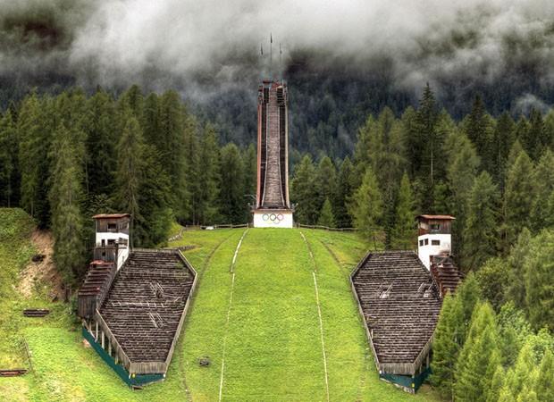 Construções olímpicas abandonadas (Foto: Divulgação)