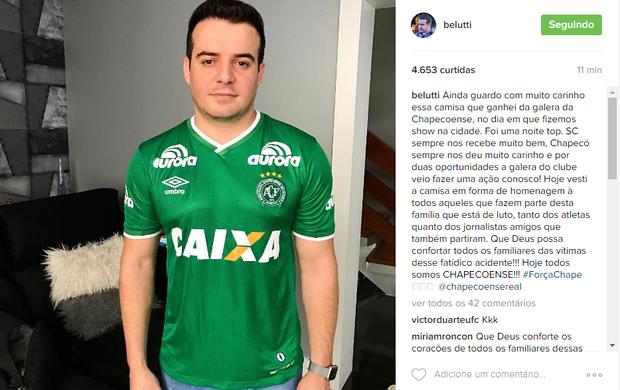 Belutti com camisa do time (Foto: Reprodução/Instagram)