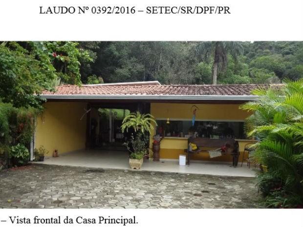 Foto mostra a vista de uma das casas do sítio Santa Bárbara (Foto: Reprodução)