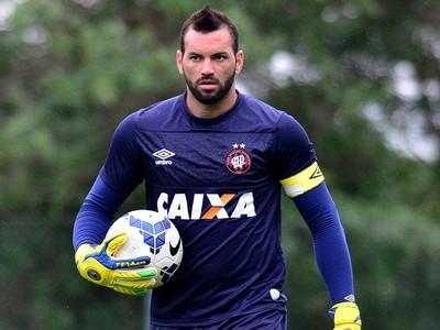 Goleiro Weverton Atlético-PR (Foto: Site oficial do Atlético-PR/Divulgação)