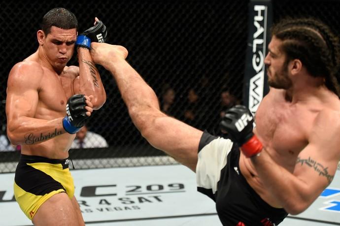 Cezar Mutante x Elias Theodorou UFC Halifax (Foto: Getty Images)