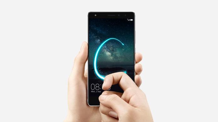 Além dos sensores de pressão, Mate S tem recurso que reconhece comandos específicos realizado com os nós dos dedos (Foto: Divulgação/Huawei)