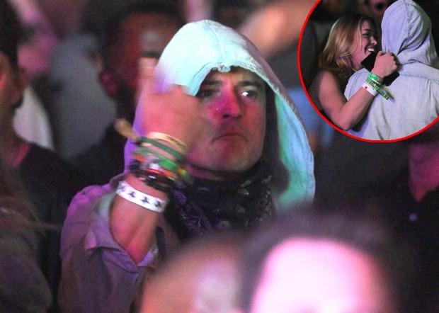 Orlando Bloom se diverte com loira em festival de música  (Foto: AKM-GSI)