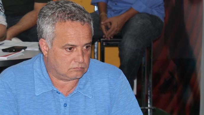 Marcelo Segurado - diretor de futebol do Goiás (Foto: Fernando Vasconcelos / Globoesporte.com)