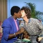 No JN, Mick Jagger dá beijo em Glória Maria (Vídeo Show / TV Globo)