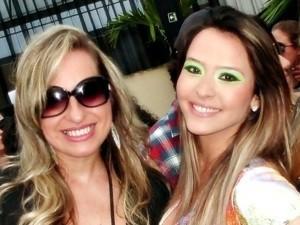 Tháscya Spirandelli e a fã Érica Felício (Foto: Arquivo pessoal)