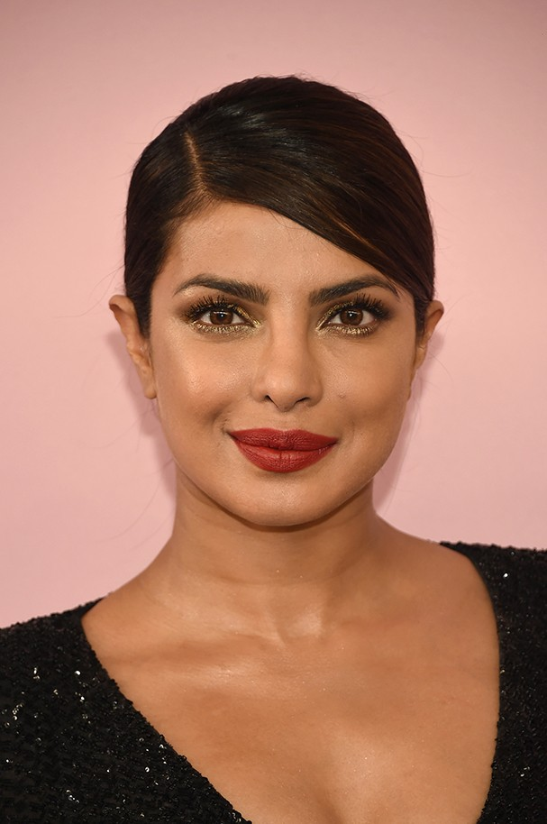 NEW YORK, NY - JUNE 05:  Priyanka Chopra attends the 2017 CFDA Fashion Awards at Hammerstein Ballroom on June 5, 2017 in New York City.  (Photo by Dimitrios Kambouris/Getty Images) (Foto: Getty Images)