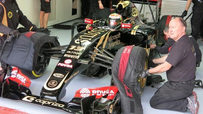 Pastor Maldonado colocou a Lotus no topo da tabela de tempos em Barcelona (Foto: Divulgação)