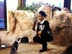 Rihanna 'conversa' com pinguim