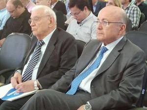 Engenheiro Ozires Silva e ex-ministro Mailson Nóbrega participaram do evento. (Foto: Nicole Melhado / G1)
