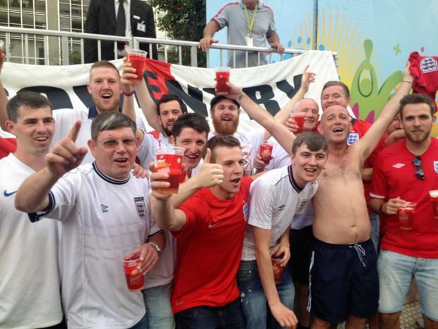 Ingleses vão acompanhar o jogo entre Inglaterra e Itália na Fan Fest de São Paulo (Foto: Eduardo Carvalho/G1)