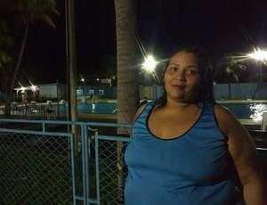 Lia Almeida iniciou hidroginástica para complementar exercícios de musculação (Foto: Jheniffer Núbia/GloboEsporte.com)