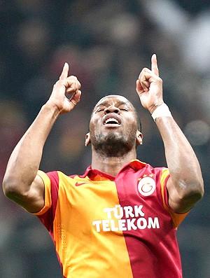 Drogba gol Galatasaray Real Madrid (Foto: Reuters)