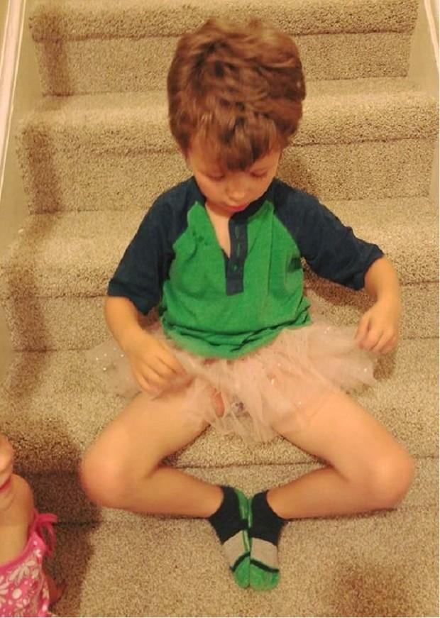 Silas usando um tutu (Foto: Reprodução Facebook)