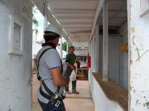 Thiago da Silva Santos, de 24 anos, diz que renda chega a R$ 4 mil por mês (Foto: Lilian Quaino/G1)