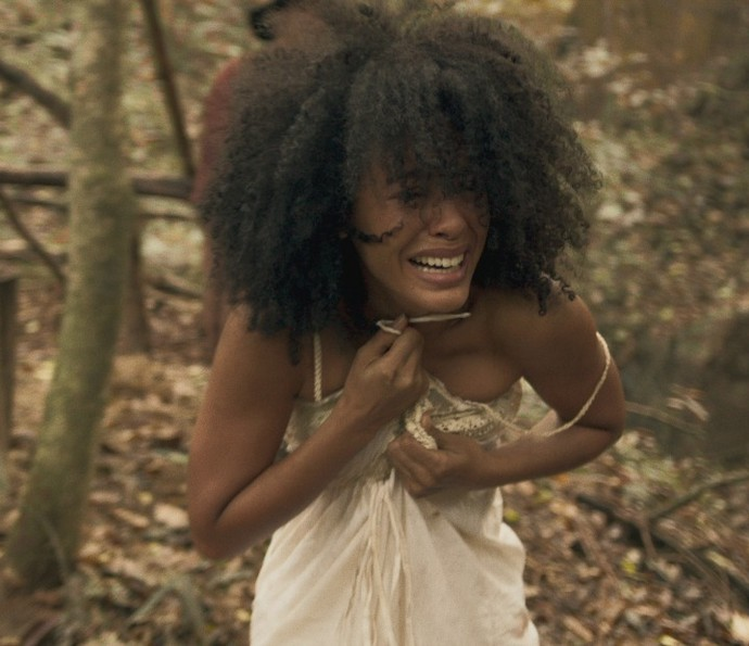 Bertoleza teme ser vendida no mercado de escravos (Foto: TV Globo)