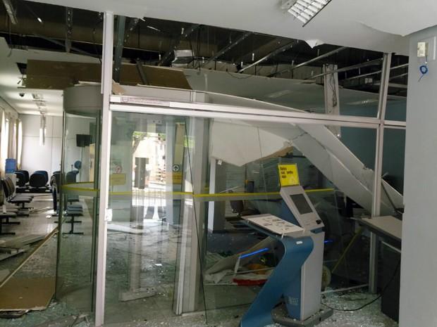 Criminosos explodem caixa eletrônico em Santo Antônio do Amparo (Foto: Polícia Civil)