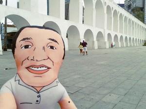 Boneco-currículo até fez 'selfie' no Rio (Foto: Arquivo Pessoal/ Henrique Murate)