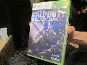 Caixa do novo 'Call of Duty' para Xbox 360 vendida no Brasil. Jogo não é recomendado para menores de 18 anos (Foto: Gustavo Petró/G1)