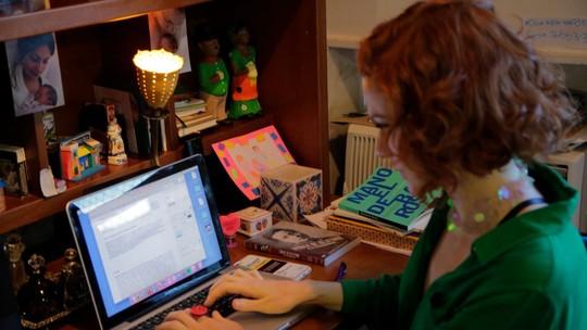 Maria Eduarda de Carvalho escreve sua primeira peça e transforma dor em arte