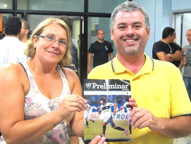 Marcia e Osmar, pais de Bruno Mendes (Foto: Thales Soares / Globoesporte.com)