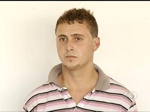 Welton alem de confessar o crime ainda ironizou no momento emque foi preso (Foto: Reprodução/TV Anhanguera)