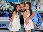 Luciano faz festa de aniversário para as filhas gêmeas em São Paulo