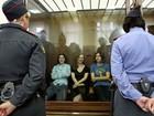 Banda Pussy Riot é sentenciada a dois anos de prisão por vandalismo