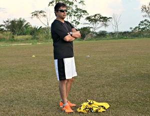 Técnico do Andirá, Ulysses Torres, diz que equipe não foi prejudicada por mudança na data de estreia do Acreano ada 2ª Divisão (Foto: Quésia Melo)