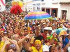 Foliões curtem último dia de Carnaval