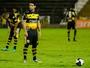 Após gols, Carmona comemora boa fase e admite adaptação no Oeste