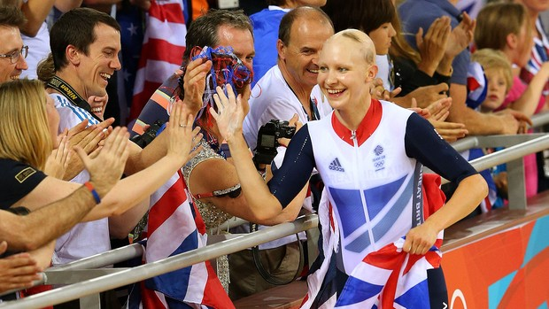 Joanna Rowsell comemora vitória em Londres (Foto: Getty Images)