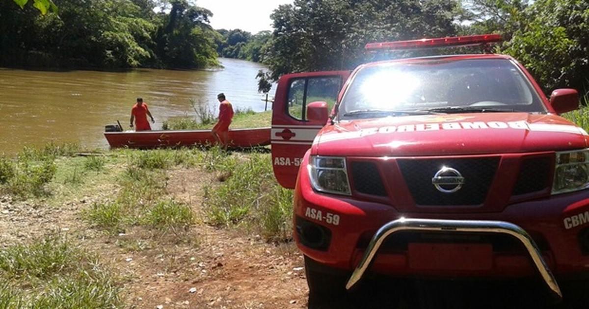 Bombeiros buscam 2 desaparecidos após naufrágio em Porteirão ... - Globo.com