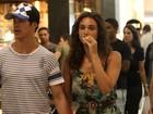 Débora Nascimento e José Loreto vão às compras no Rio