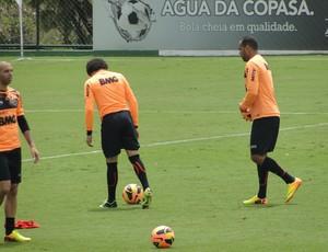 Atlético-MG treina na Cidade do Galo antes do clássico (Foto: Rafael Araújo / Globoesporte.com)