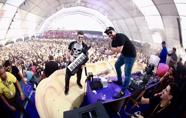 DJ Alok e Xand Avião (Foto: Nara Fassi)