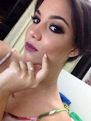 Sabrina Bezerra precisou de uma cirurugia no pulso (Foto: Reprodução/Facebook)
