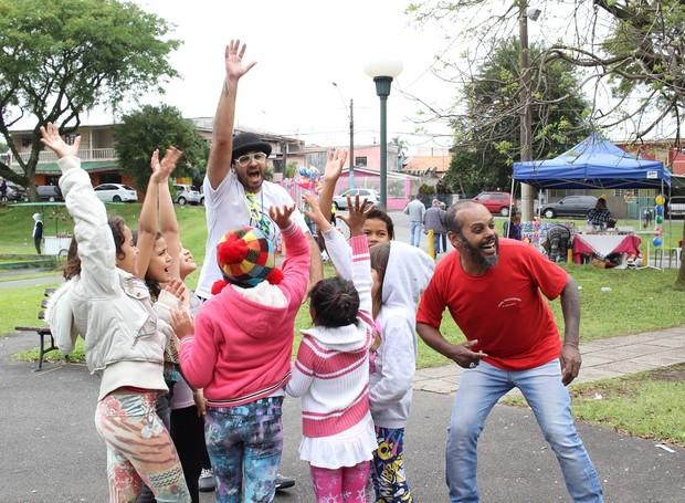 A criançada se divertiu com os recreadores (Foto: Amanda Caroline/RPC)