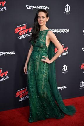 Eva Gree em première de filme em Los Angeles, nos Estados Unidos (Foto: Mark Ralston/ AFP)
