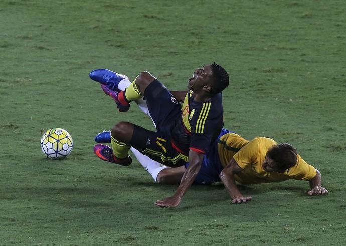 Brasil x Colômbia Berrío Estádio Nilton Santos (Foto: EFE)