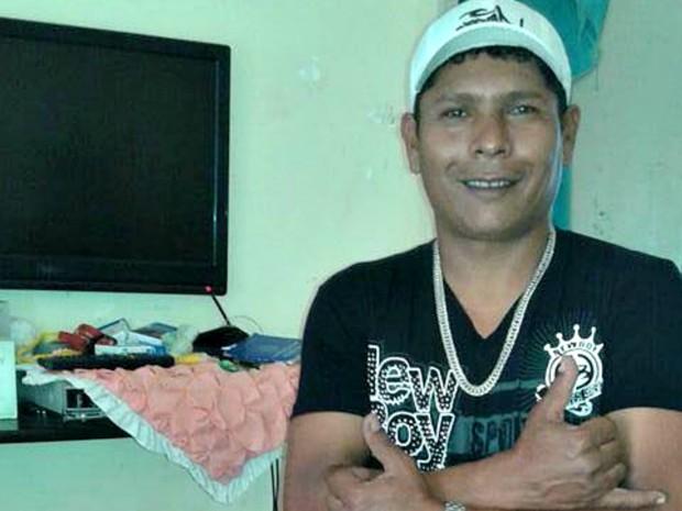 Adib foi morto a tiros na frente de bar em Rio Branco  (Foto: Arquivo da família)