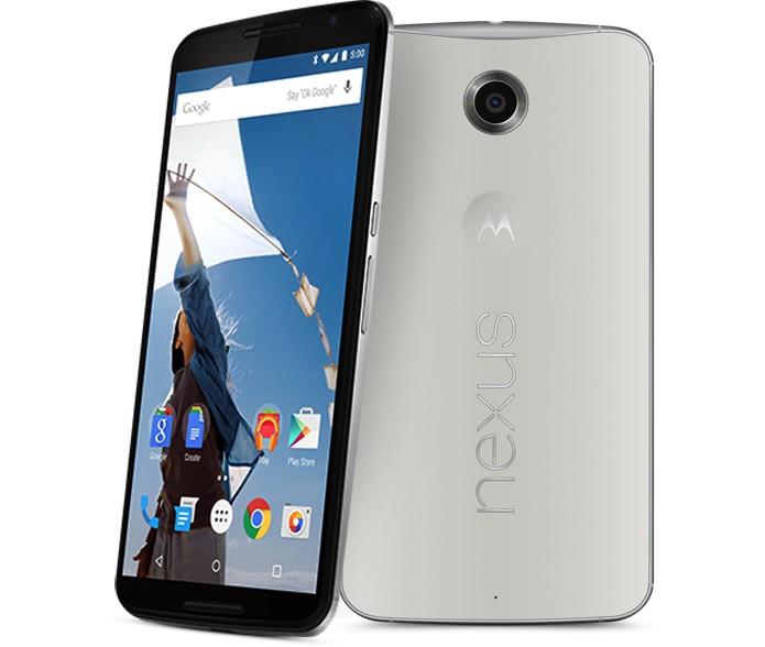 Nexus 6 tem tela gigante de 6 polegadas e corpo maior e mais robusto do que Note 4 (Foto: Divulgação/Google)